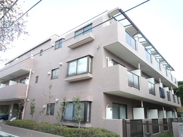 東京都世田谷区、千歳船橋駅徒歩10分の築24年 3階建の賃貸マンション