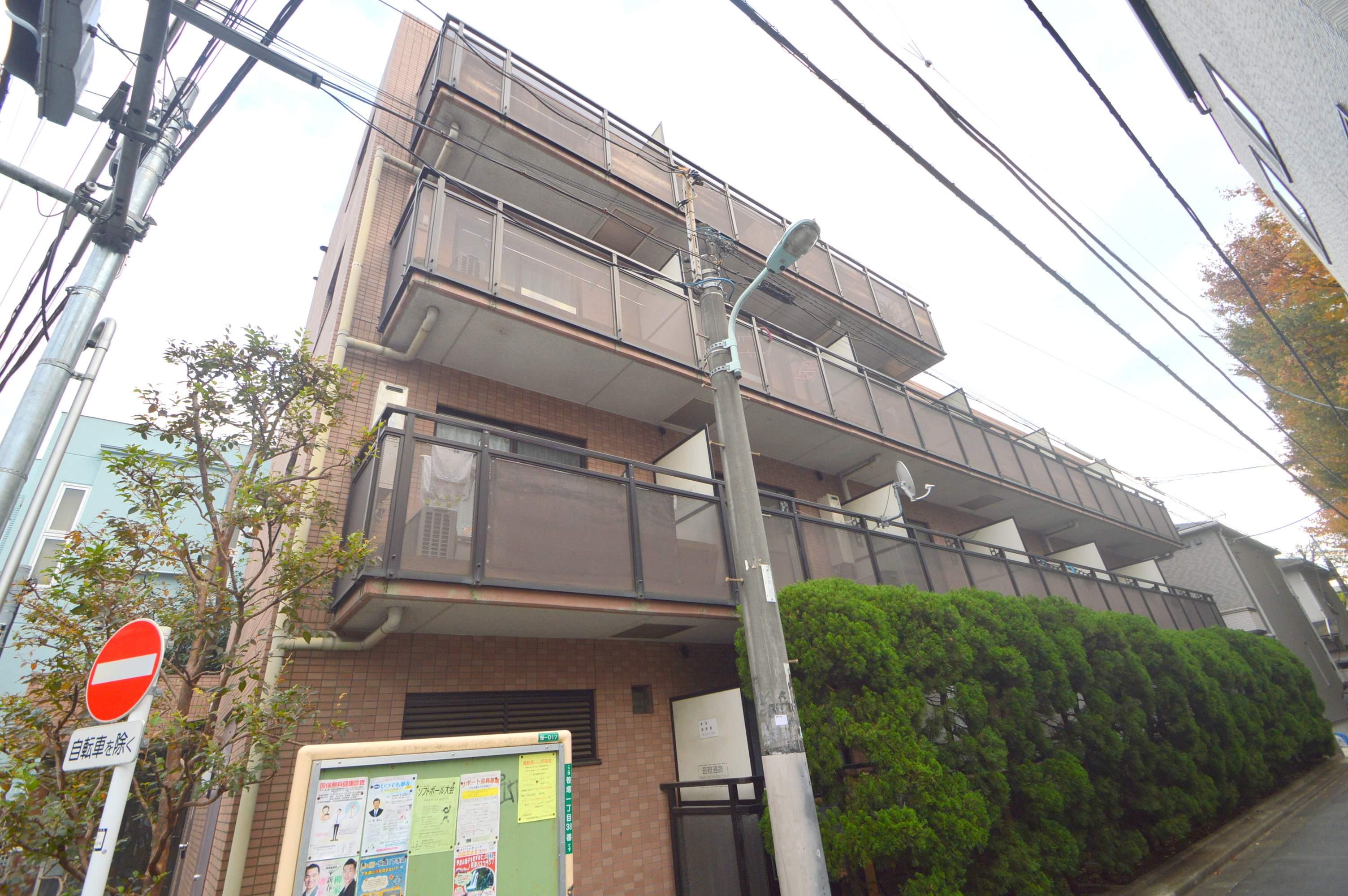 東京都渋谷区、幡ヶ谷駅徒歩15分の築21年 4階建の賃貸マンション