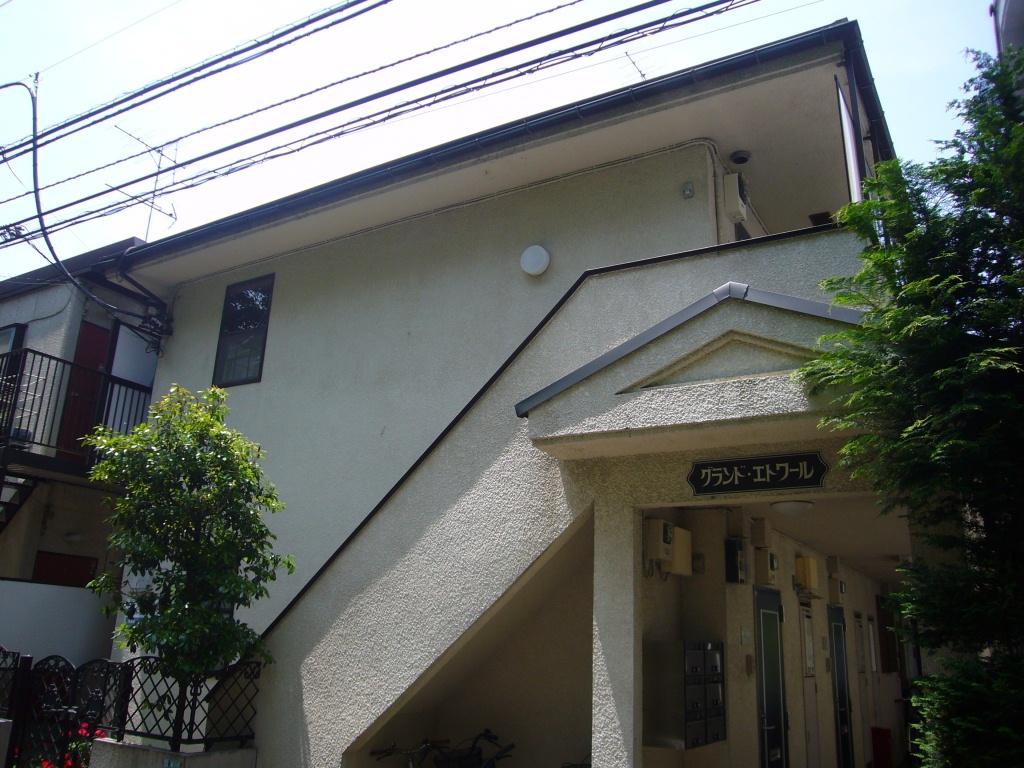 東京都武蔵野市、三鷹駅徒歩11分の築28年 2階建の賃貸アパート