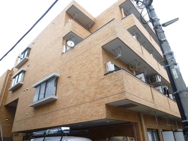 東京都武蔵野市、西荻窪駅徒歩19分の築30年 4階建の賃貸マンション