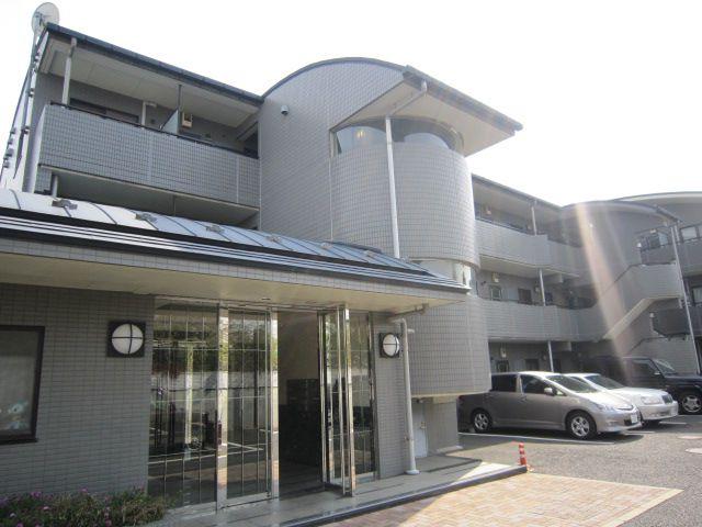 東京都世田谷区、千歳烏山駅徒歩20分の築18年 3階建の賃貸マンション