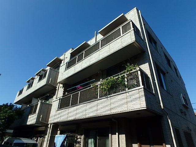 東京都世田谷区、経堂駅徒歩20分の築11年 3階建の賃貸マンション
