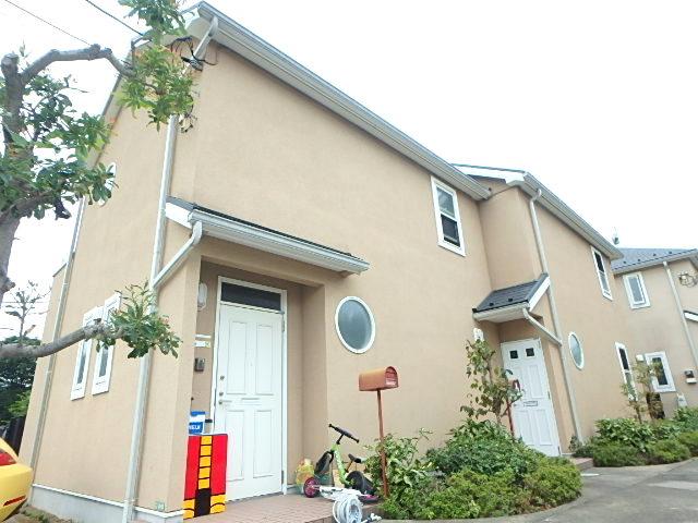 東京都世田谷区、成城学園前駅徒歩18分の築12年 2階建の賃貸テラスハウス