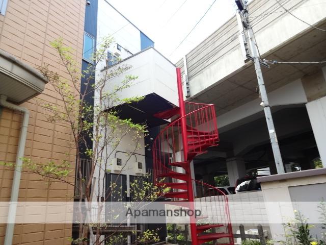 東京都江東区、亀戸駅徒歩12分の築11年 2階建の賃貸アパート