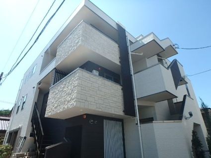 東京都世田谷区、上北沢駅徒歩6分の築2年 3階建の賃貸マンション