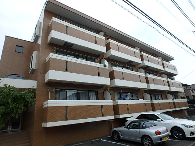 東京都世田谷区、千歳烏山駅徒歩5分の築25年 3階建の賃貸アパート