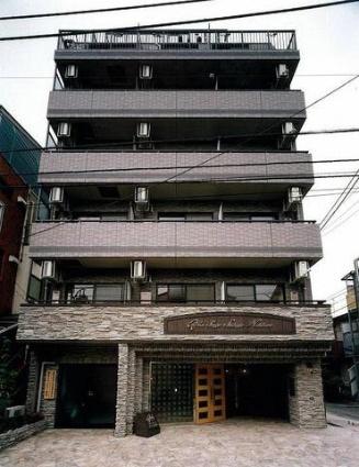 東京都渋谷区、笹塚駅徒歩16分の築15年 8階建の賃貸マンション