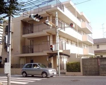 東京都杉並区、浜田山駅徒歩18分の築30年 4階建の賃貸マンション
