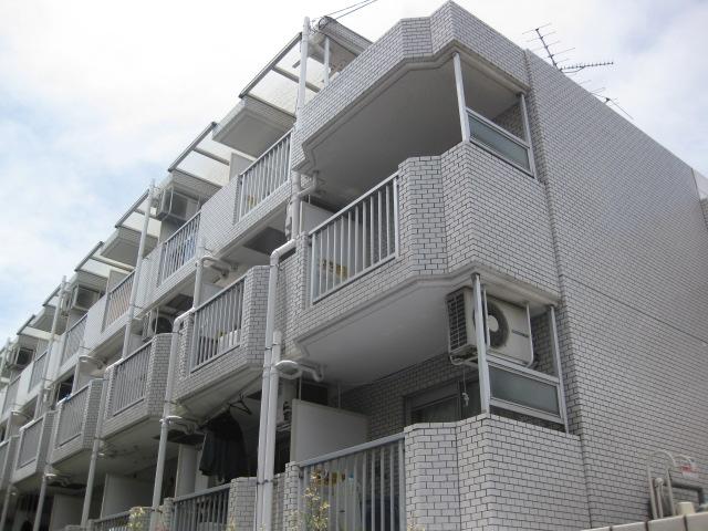 東京都世田谷区、上北沢駅徒歩10分の築31年 4階建の賃貸マンション