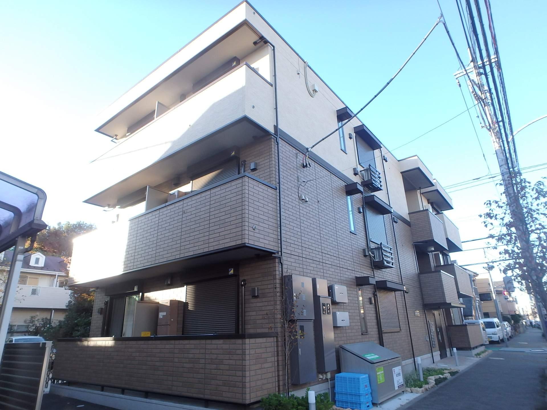 東京都西東京市、武蔵境駅バス7分柳橋下車後徒歩3分の築3年 3階建の賃貸アパート