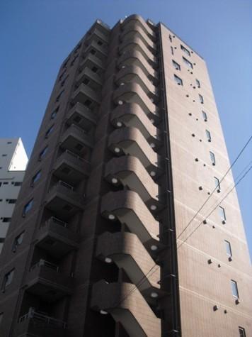東京都世田谷区、神泉駅徒歩18分の築5年 14階建の賃貸マンション