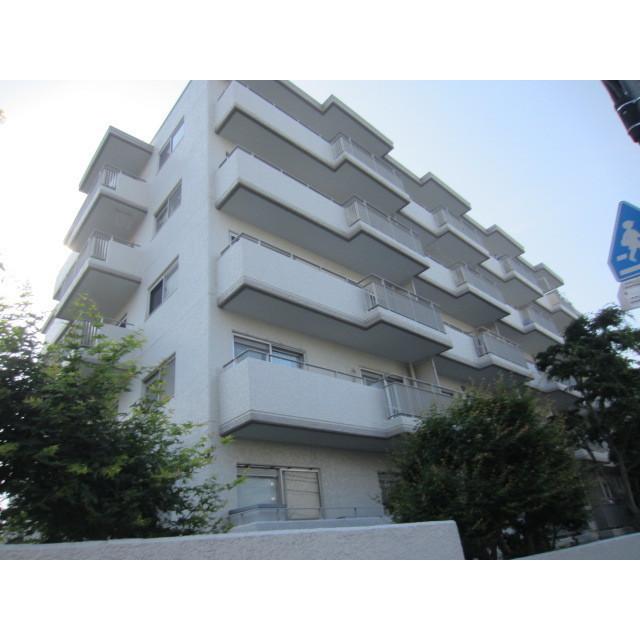 東京都世田谷区、駒場東大前駅徒歩17分の築40年 5階建の賃貸マンション