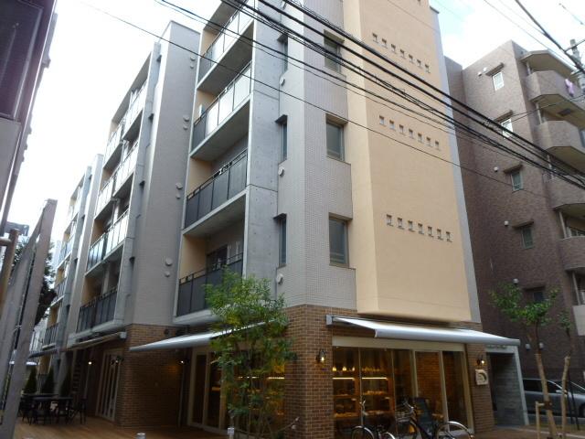 東京都世田谷区、三軒茶屋駅徒歩1分の築3年 5階建の賃貸マンション