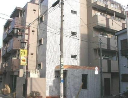 東京都世田谷区、三軒茶屋駅徒歩10分の築35年 5階建の賃貸マンション