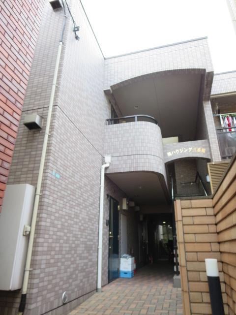 東京都目黒区、三軒茶屋駅徒歩19分の築19年 2階建の賃貸マンション