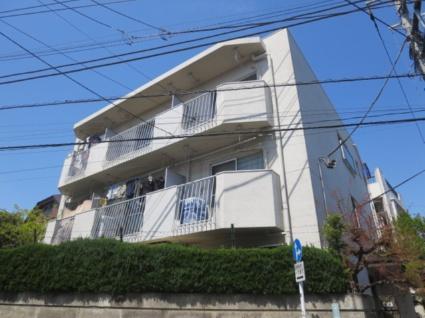 東京都目黒区、三軒茶屋駅徒歩22分の築43年 3階建の賃貸マンション