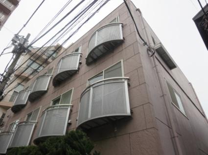 東京都世田谷区、三軒茶屋駅徒歩17分の築17年 3階建の賃貸マンション