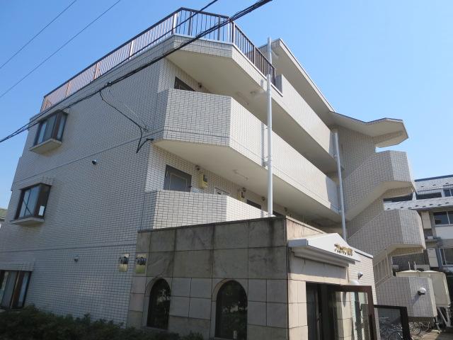 東京都目黒区、学芸大学駅徒歩20分の築25年 4階建の賃貸マンション