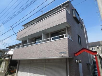 東京都目黒区、三軒茶屋駅徒歩21分の築22年 3階建の賃貸マンション