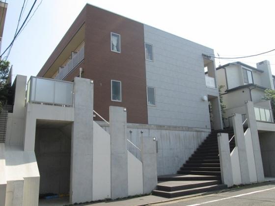 東京都目黒区、都立大学駅徒歩15分の築8年 2階建の賃貸アパート