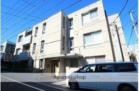 東京都目黒区、都立大学駅徒歩15分の築4年 3階建の賃貸マンション