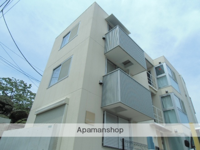 東京都目黒区、都立大学駅徒歩3分の築5年 3階建の賃貸マンション