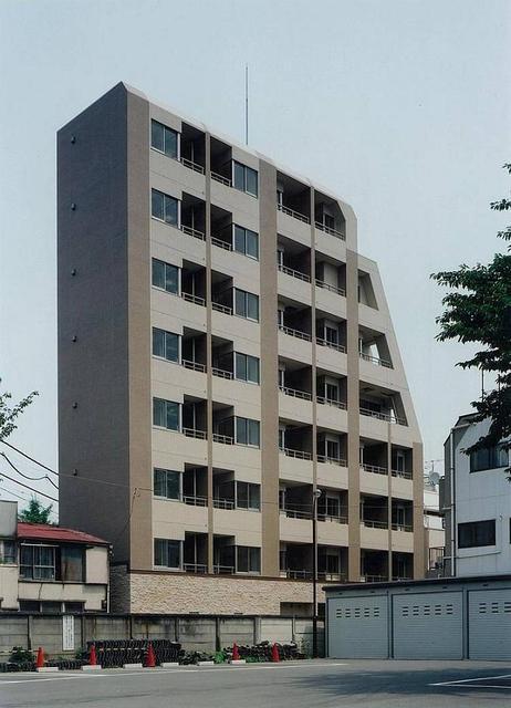 東京都文京区、千駄木駅徒歩10分の築12年 8階建の賃貸マンション