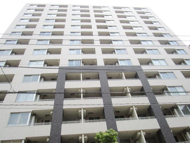 東京都文京区、水道橋駅徒歩10分の築6年 14階建の賃貸マンション
