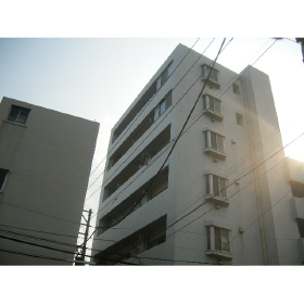 東京都文京区、飯田橋駅徒歩8分の築16年 7階建の賃貸マンション