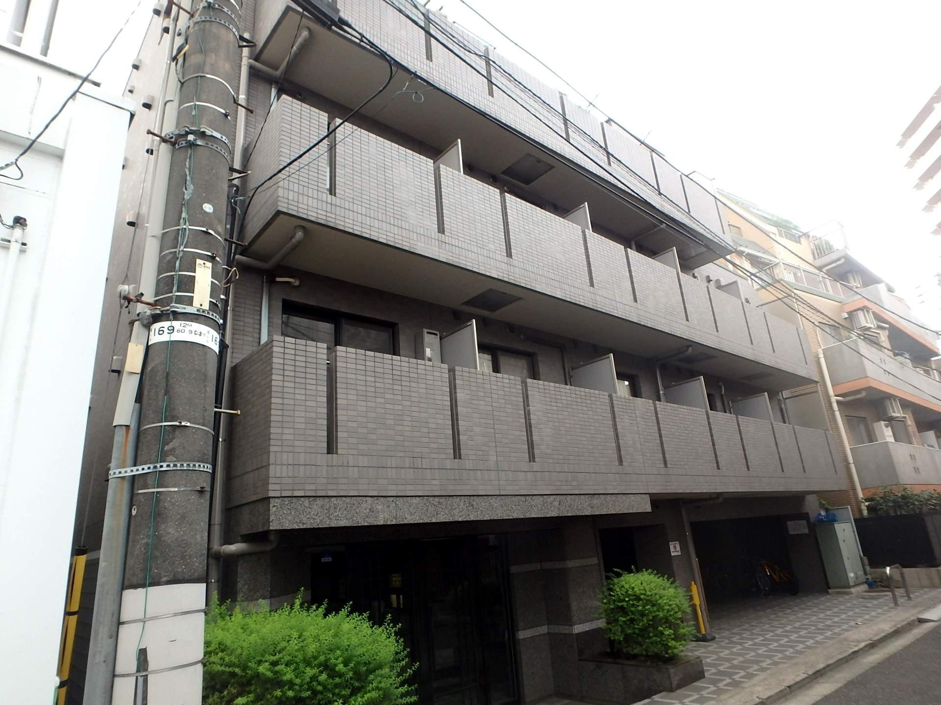 東京都渋谷区、神泉駅徒歩13分の築15年 5階建の賃貸マンション