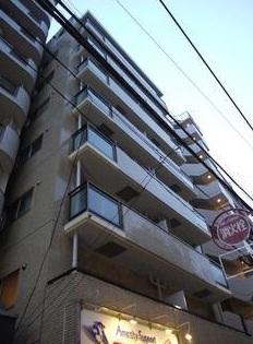 東京都世田谷区、三軒茶屋駅徒歩7分の築32年 8階建の賃貸マンション