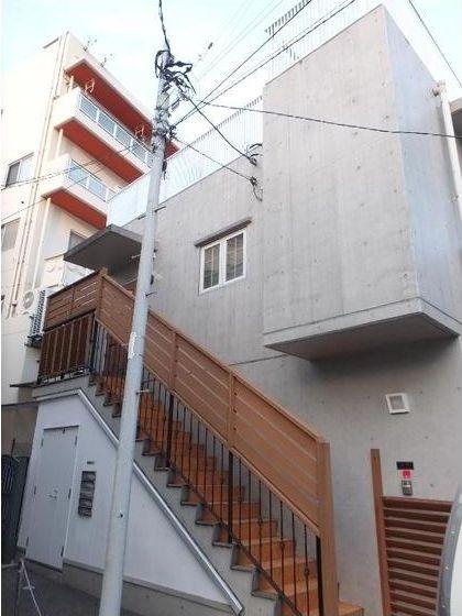 東京都世田谷区、駒沢大学駅徒歩20分の築12年 2階建の賃貸マンション