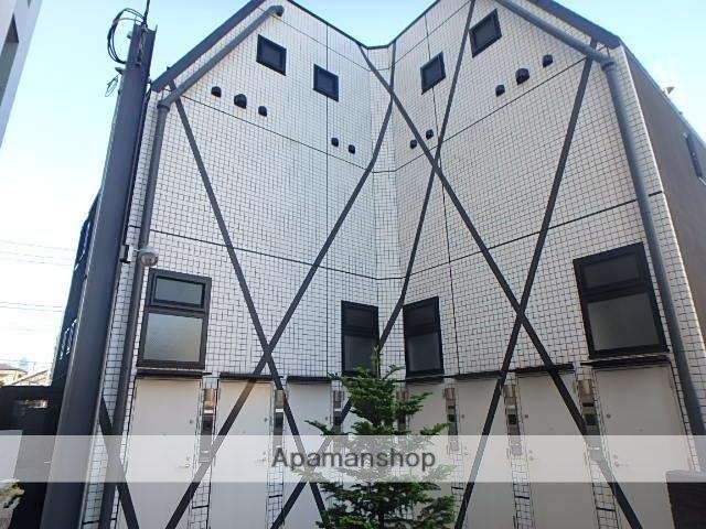東京都世田谷区、学芸大学駅徒歩13分の築3年 2階建の賃貸マンション