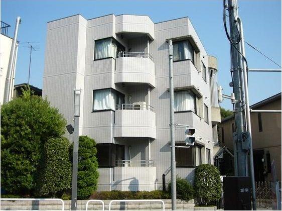 東京都世田谷区、駒沢大学駅徒歩23分の築26年 3階建の賃貸マンション