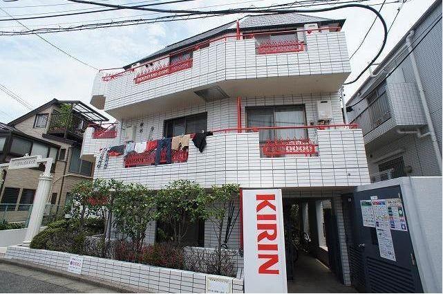 東京都目黒区、原宿駅徒歩28分の築33年 4階建の賃貸マンション