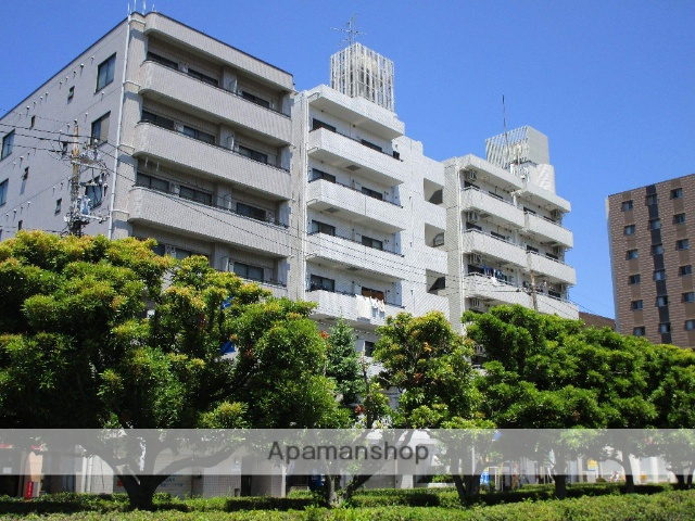 東京都足立区、綾瀬駅徒歩23分の築27年 7階建の賃貸マンション