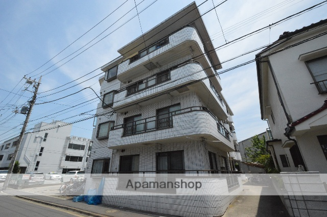 東京都足立区、亀有駅徒歩30分の築26年 4階建の賃貸マンション