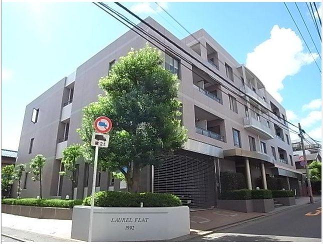 東京都目黒区、代官山駅徒歩11分の築24年 5階建の賃貸マンション