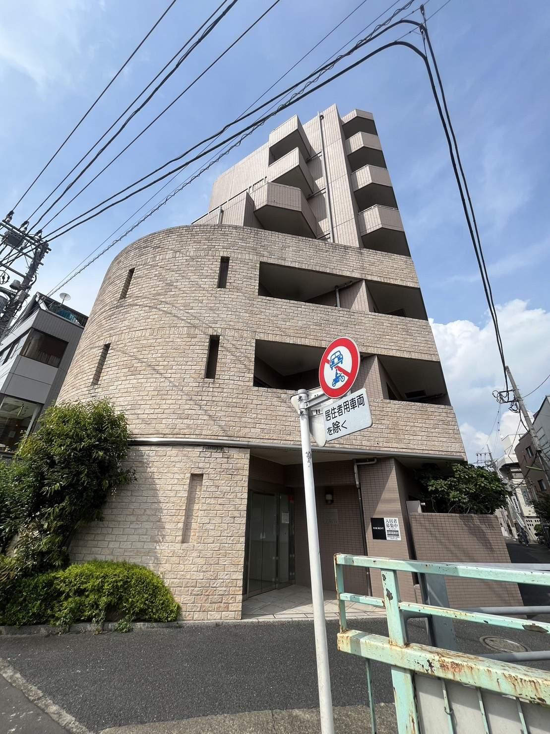 東京都世田谷区、等々力駅徒歩13分の築12年 9階建の賃貸マンション