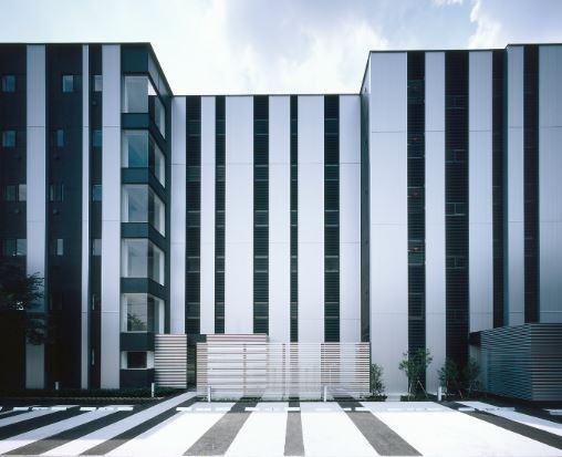 東京都目黒区、祐天寺駅徒歩19分の築46年 6階建の賃貸マンション