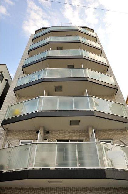 東京都目黒区、祐天寺駅徒歩15分の築9年 8階建の賃貸マンション