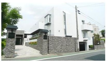 東京都世田谷区、学芸大学駅徒歩14分の築40年 3階建の賃貸マンション