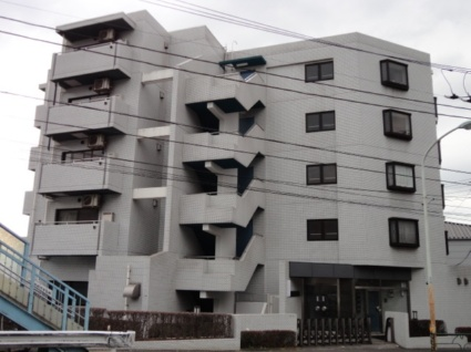 東京都世田谷区、祖師ヶ谷大蔵駅徒歩23分の築29年 5階建の賃貸マンション