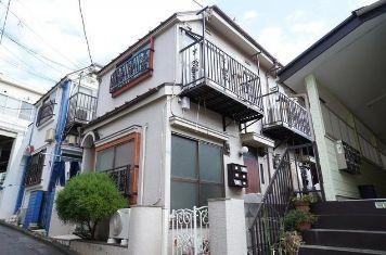 東京都目黒区、神泉駅徒歩9分の築32年 2階建の賃貸アパート