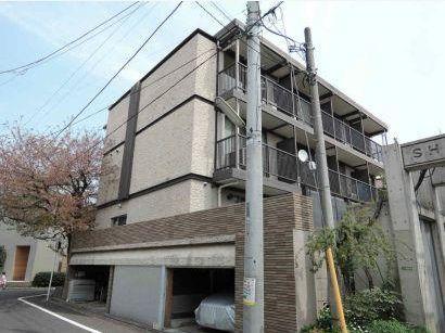 東京都世田谷区、駒沢大学駅徒歩17分の築44年 3階建の賃貸マンション