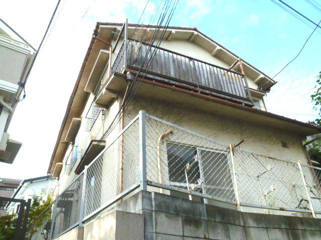 東京都世田谷区、等々力駅徒歩17分の築47年 2階建の賃貸アパート