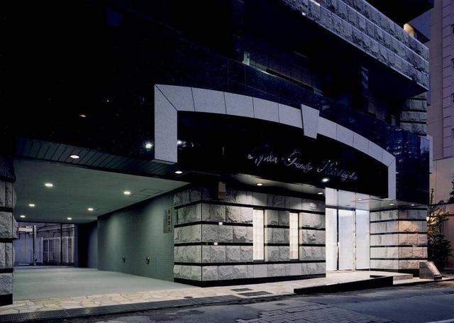 東京都新宿区、新宿駅徒歩15分の築11年 15階建の賃貸マンション