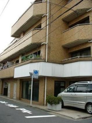 東京都目黒区、都立大学駅徒歩30分の築30年 6階建の賃貸マンション