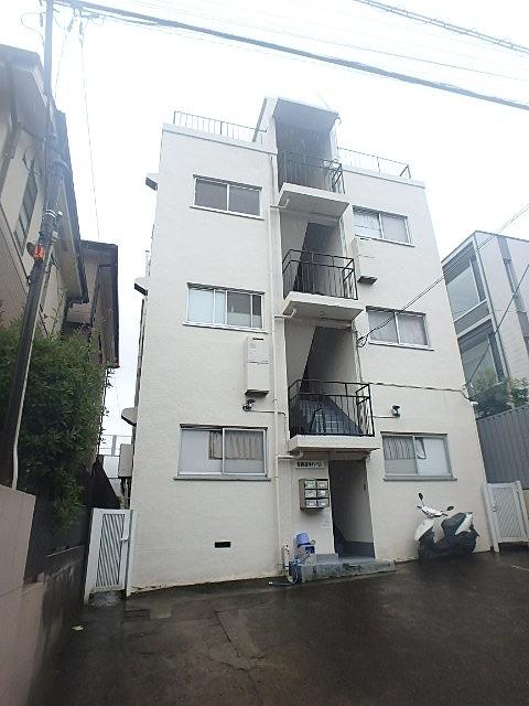 東京都世田谷区、自由が丘駅徒歩11分の築51年 3階建の賃貸マンション