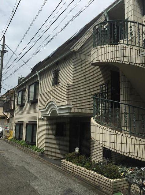 東京都目黒区、祐天寺駅徒歩8分の築26年 3階建の賃貸マンション